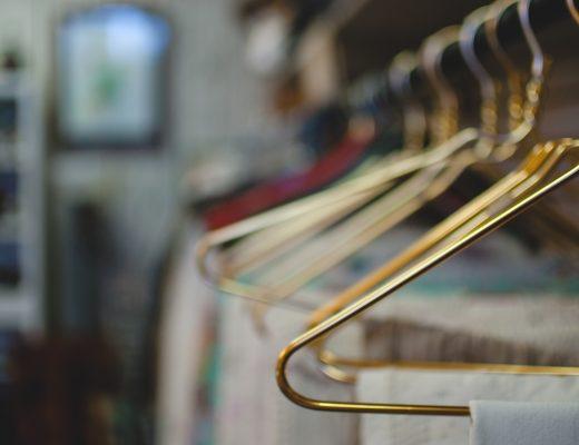 Rangement : les étapes clés pour optimiser son dressing