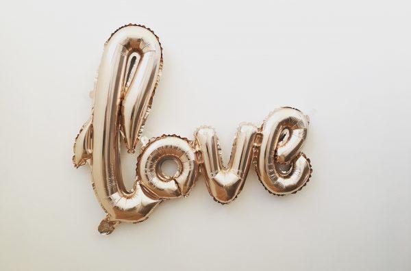 Fêter la Saint-Valentin à la maison sans se ruiner