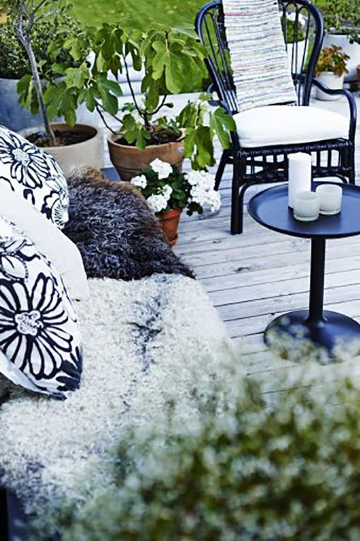 Aménager une petite terrasse avec des accessoires déco