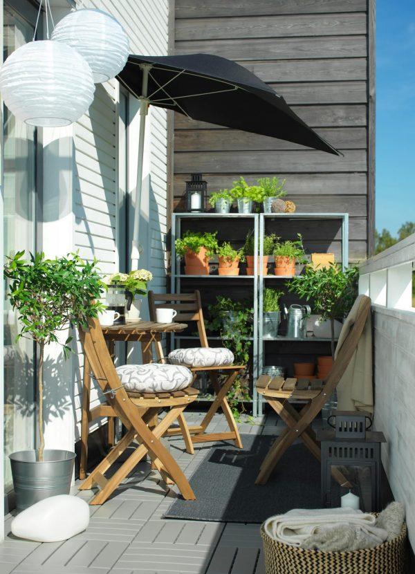 Aménager une petite terrasse avec du mobilier astucieux