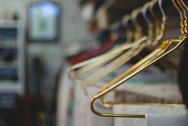 Rangement : 3 étapes clés pour optimiser son dressing