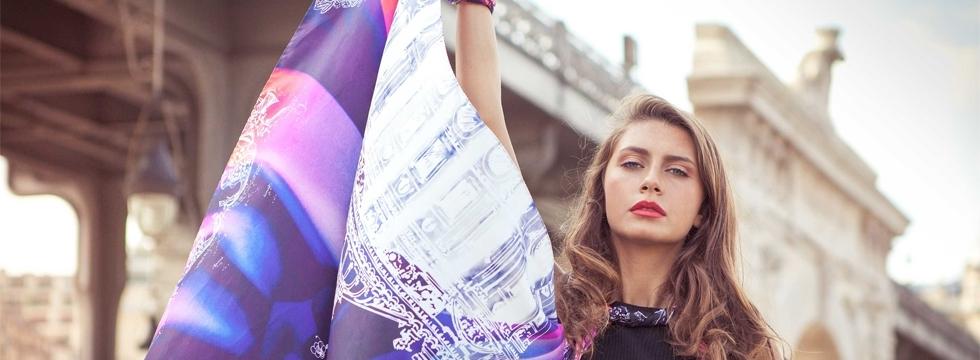 Découvrez les incontournables foulards Esther Bonté !