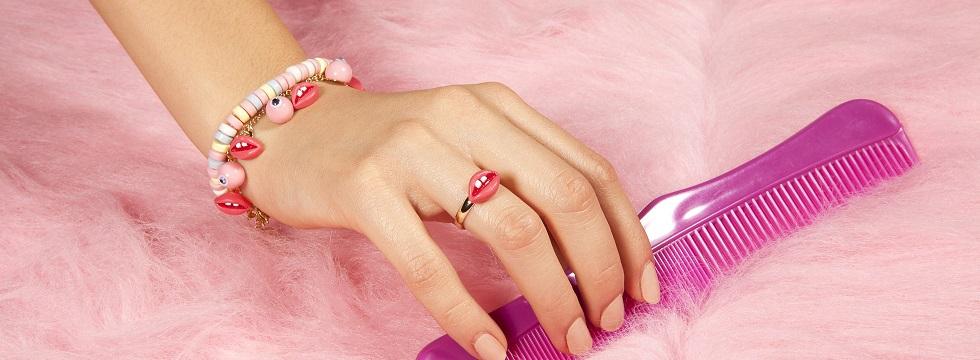 Ajoutez une pincée d'originalité avec les bijoux décalés N2