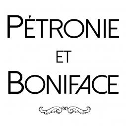 Voyagez à travers les cultures et les époques avec les couvre-chefs de Pétronie et Boniface