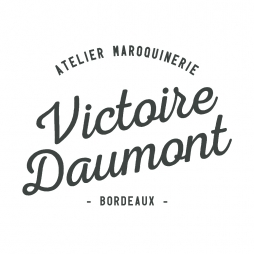 Découvrez la maroquinerie aux formes épurées et intemporelles de Victoire Daumont !