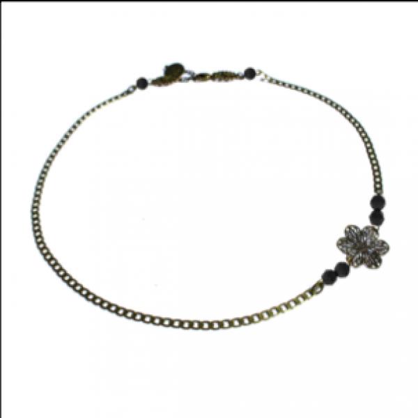 Des bijoux romantiques et féminins avec Secrets de Cailloux