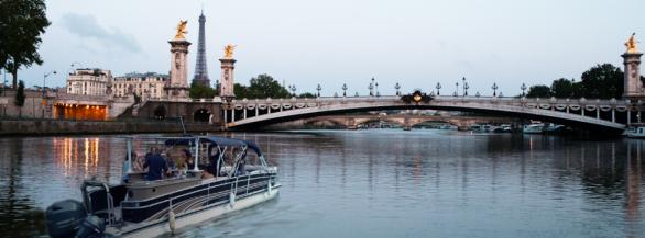 Un apéro flottant entre amis : Découvrez Paris autrement avec Green River !