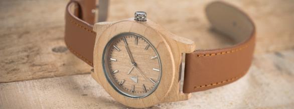 On adore les montres  élégantes, en bois et françaises de l'Atelier des Montres !